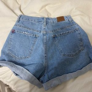 URBAN OUTFITTERS BDG MID RISE SHORTS